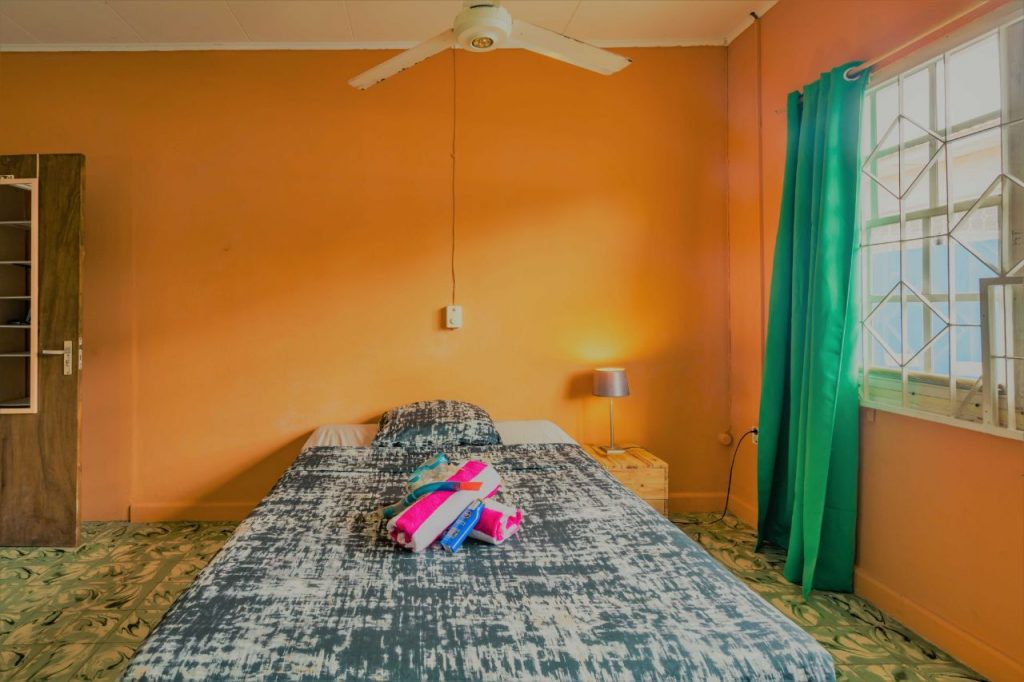 Studentenkamer 4 Curacao met bed