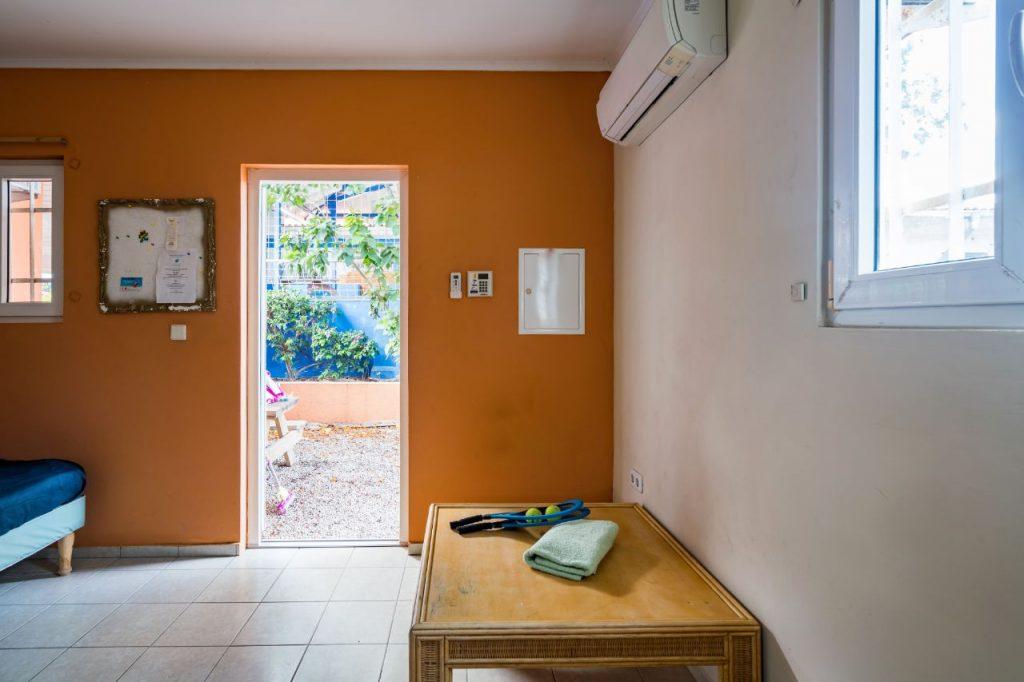 Studio A Curacao buitendeur