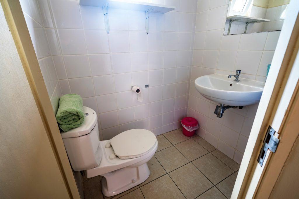 Studio B Studentenkamer Curacao WC