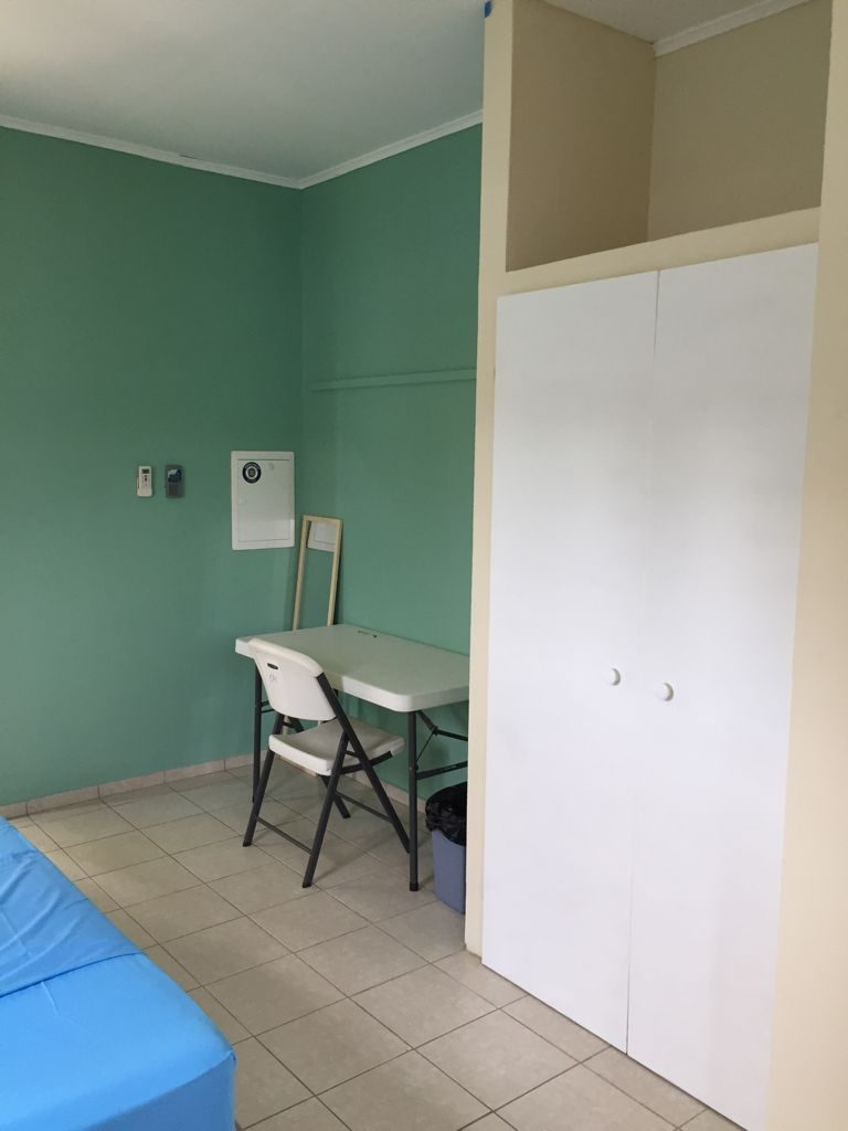 Studio C hang-legkast met koffer ruimte